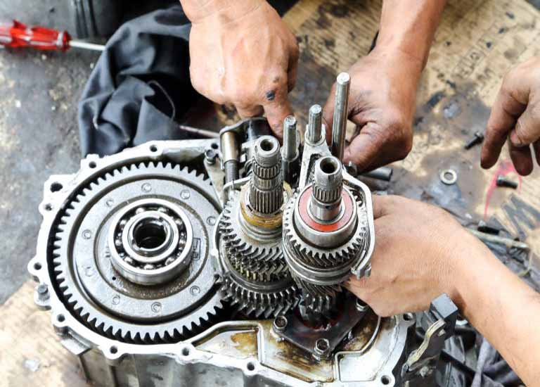 Why We need gearbox specialist to do gearbox service?